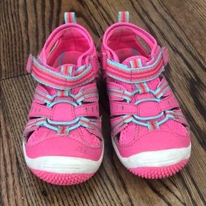 Sz 7.5 Stride Rite (Like Keen) shoes